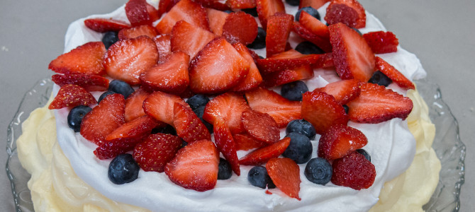 Sugar Free Lemon Berry Pavlova